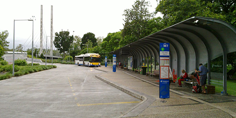 UQ Lakes bus stop
